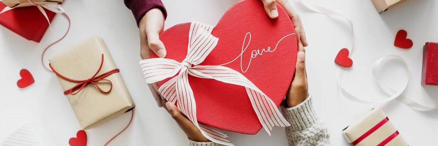 How Online Gift Finders Can Make You Cupid This Valentine's